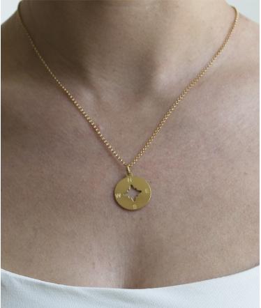 collar brújula oro